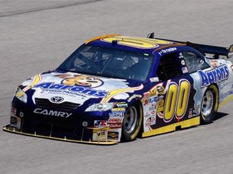 Дэвид Ройтиманн стартует с поул-позиции гонки Sprint Cup в Техасе