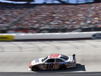 Кайл Буш выиграл вторую гонку Sprint Cup в сезоне