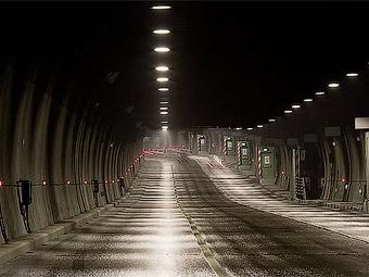В Лефортовском тоннеле затруднено движение из-за трех столкнувшихся машин