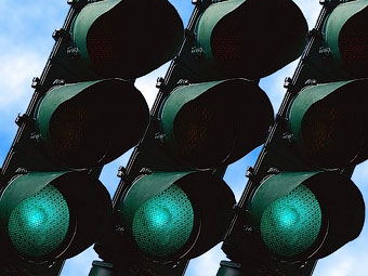 """В Великобритании послушным водителям обеспечат """"зеленую дорогу"""""""