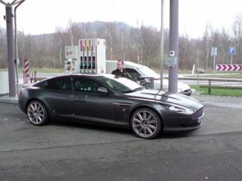 """Появились шпионские фотографии """"четырехдверного купе"""" Aston Martin Rapide"""