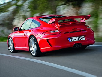 Porsche 911 GT3 не смог проехать Нюрбургринг быстрее Nissan GT-R