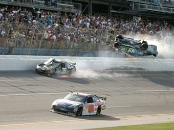 Эрнхардт-младший предложил уменьшить скорости в NASCAR