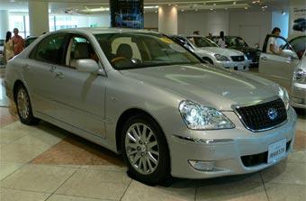 Toyota отзывает для ремонта более 120 тысяч китайских машин
