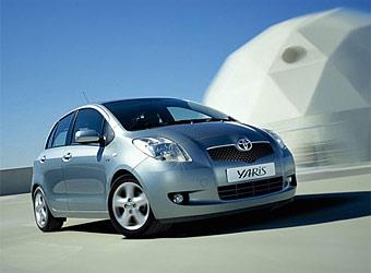 Toyota отзывает 166 тысяч автомобилей Yaris из-за подголовников