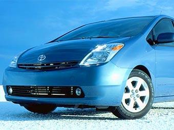 Toyota отзывает для ремонта 160 тысяч гибридных автомобилей