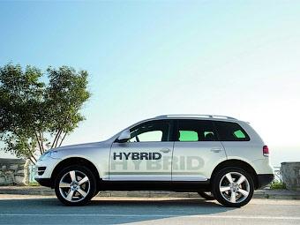 Гибридный VW Touareg появится через год