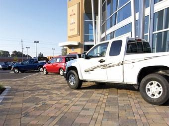 Закрытие половины дилерских центров GM оставит без работы 137 тысяч человек