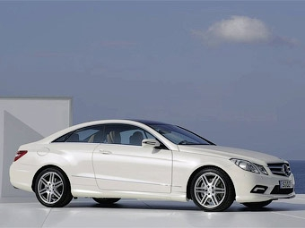 Компания Mercedes-Benz рассекретила новое большое купе