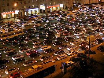 За три месяца россияне потратили на новые автомобили 242 миллиарда рублей
