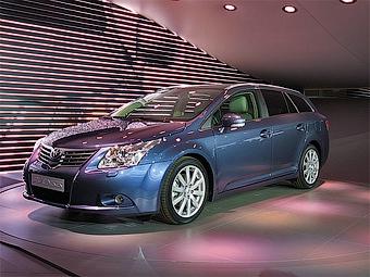 В Великобритании началось производство Toyota Avensis нового поколения