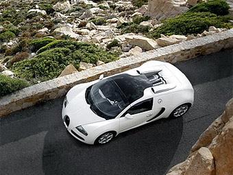Bugatti Veyron с открытым верхом разгонится до 349 километров в час