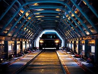 Автодилеры не пользуются бесплатной доставкой машин в Приморье