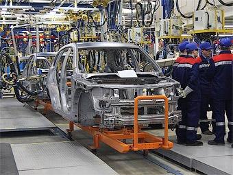 Чемезов предложил снизить НДС для автозаводов