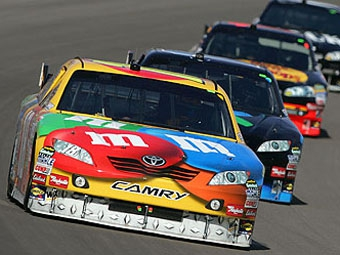 Кайл Буш выиграл третий этап NASCAR Sprint Cup