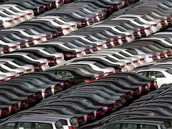 Продажи автомобилей в Великобритании в марте упали на треть