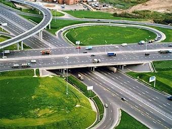 Из-за кризиса в России будут строить больше дорог