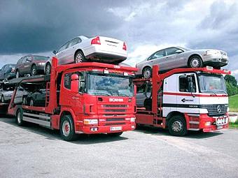 Ввоз автомобилей в Россию сократился в 3,5 раза