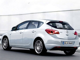 В интернете рассекретили хэтчбек Opel Astra нового поколения