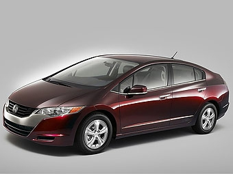 Начался выпуск первого водородного автомобиля Honda