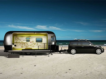 Компания MINI подготовила для серферов трейлер и спецверсию Clubman
