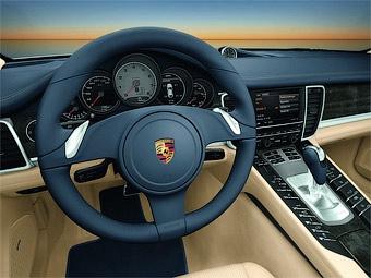 Компания Porsche рассекретила интерьер модели Panamera