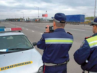 Из-за кризиса украинцам собираются снизить дорожные штрафы