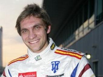 Виталий Петров финишировал пятым в первой гонке второго этапа GP2 Asia