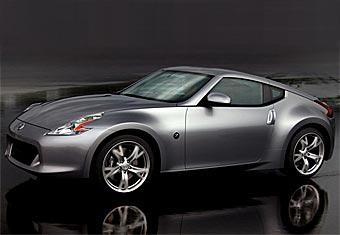 В интернете появились первые официальные снимки Nissan 370Z