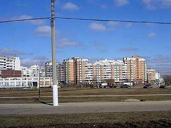 """В Южном Бутово под землю провалился """"Камаз"""""""
