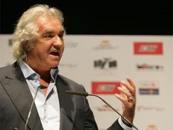 Флавио Бриаторе возмущен непостоянством FIA