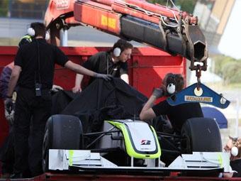 У Brawn GP возникли проблемы с коробкой передач