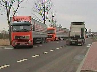 На постах ДПС в Подмосковье впервые стали взвешивать грузовики