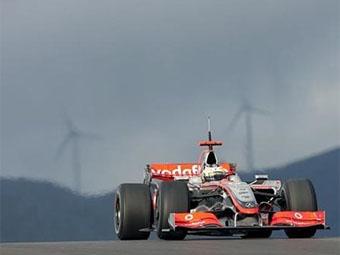 Команда McLaren опередила Ferrari в третий день тестов в Альгарве