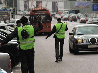 Юрий Лужков ликвидирует Городскую службу платных парковок
