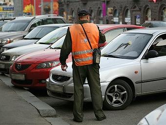 """Парковки в Москве проверят на """"бесплатность"""""""