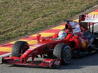 Переднее антикрыло Ferrari сломалось во время презентации