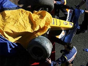 Болид команды Renault не прошел краш-тест FIA