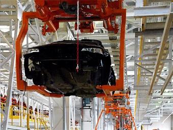 В начале следующего года производство автомобилей в России упадет вдвое