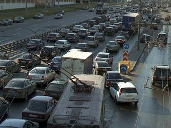Автомобильные пробки обошлись Москве в 40 миллиардов рублей