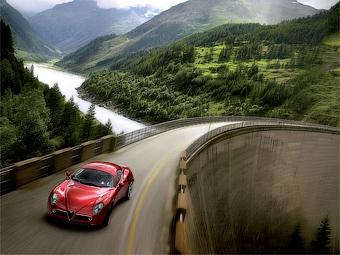 Компания Alfa Romeo отложила возвращение на американский рынок