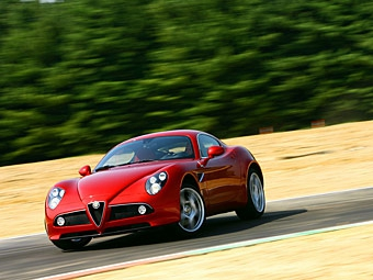 Alfa Romeo построит самую мощную версию 8C Competizione
