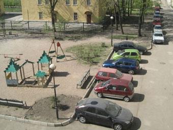 Москвичи смогут пожаловаться на незаконные парковки через интернет