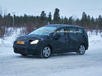 Кроссовер Peugeot 3008 получит семиместную версию