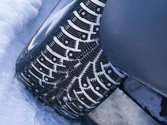 Лужков предложил запретить использование шипованных шин летом