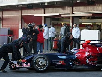 Такума Сато проведет еще один тест в Toro Rosso