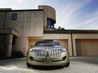 Серийную версию концепт-кара Lincoln MKT покажут в Детройте