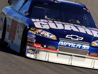 Дэйл Эрнхардт-младший стал самым популярным гонщиком NASCAR