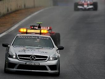 FIA изменила правила поведения гонщиков во время появления машины безопасности