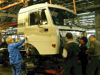 """""""КамАЗ"""" снизил в 2008 году производство на 3,5 процента"""